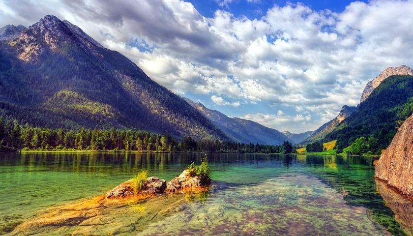 voda hory jezero
