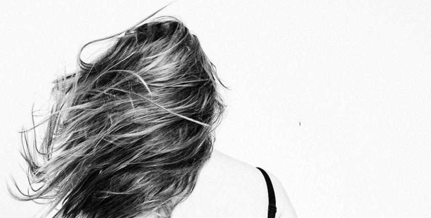 vlasy článek